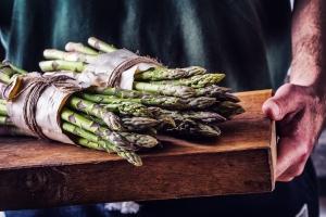 Asparagus_Man_Wooden_Board